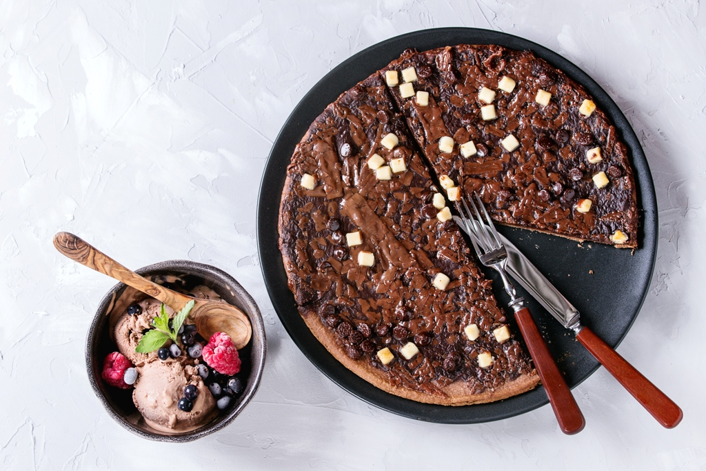 Ultimate Chocolate Pizza